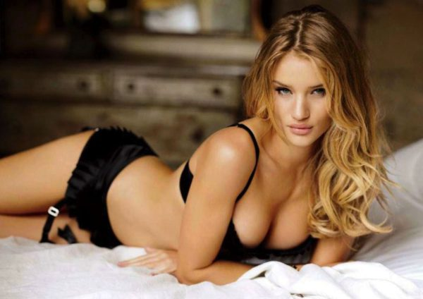 ¿Qué dice el rostro de Rosie Huntington-whiteley?